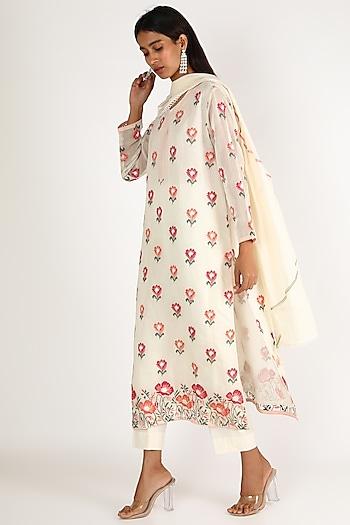 White Kurta Set With Thread Embroidery by Kehiaa By Kashmiraa