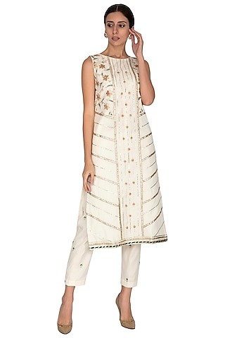 Off White Embroidered Kurta With Pants by KAIA