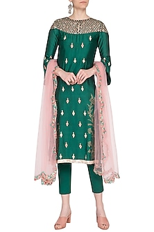 Emerald green embroidered kurta set by KAIA