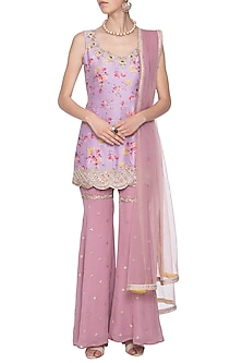 Mauve embroidered kurta set by KAIA