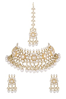 Gold Finish kundan & Pearls Necklace Set With Maangtikka by Khushi Jewels