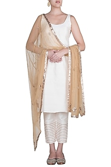 Off White Embellished Kurta Set by Khushbu Rathod