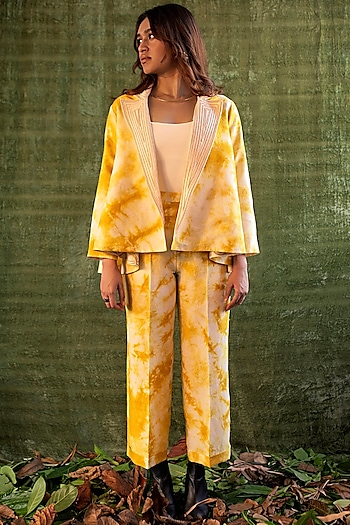 Yellow & Ivory Tie-Dye Reversible Jacket by Kritika Murarka