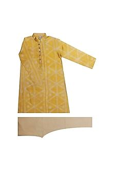 Yellow Tie & Dye Kurta Set by Krishna Mehta Kids