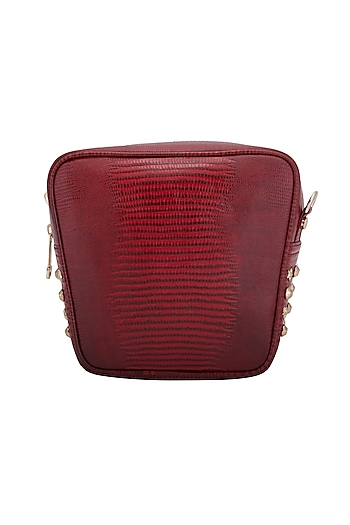 Red Crossbody Bag With Detachable Strap by KNGN