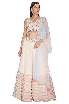 Peach Sleeveless Embroidered Lehenga Set by K-ANSHIKA Jaipur