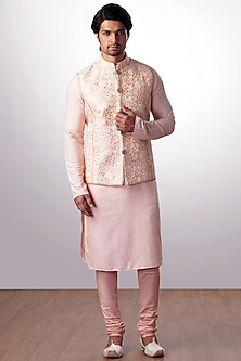 Peach Embroidered Bundi Jacket With Kurta Set by Kommal Sood