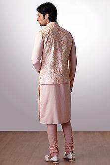 Peach Embroidered Bundi Jacket With Kurta Set by Kommal Sood