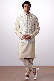 Light Beige Embroidered Bundi Jacket With Kurta Set by Kommal Sood