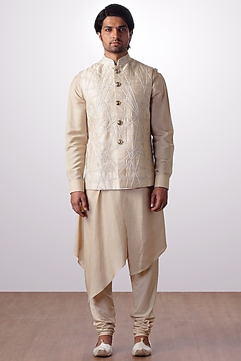 Light Beige Kurta Set With Embroidered Bundi Jacket by Kommal Sood