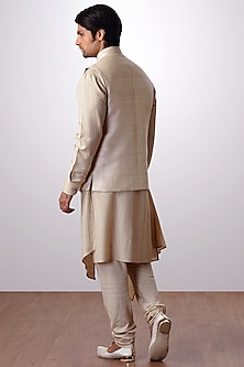 Light Beige Kurta Set With Embroidered Bundi Jacket by Kommal Sood