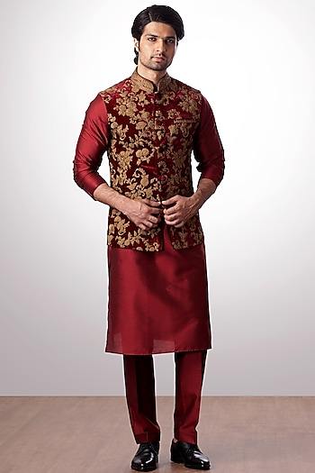 Burgundy Embroidered Bundi Jacket With Kurta Set by Kommal Sood