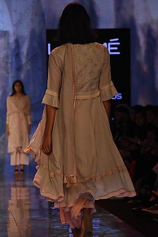 Grey Kurta Set With Kamdani Embroidered Waistcoat by House of Kotwara