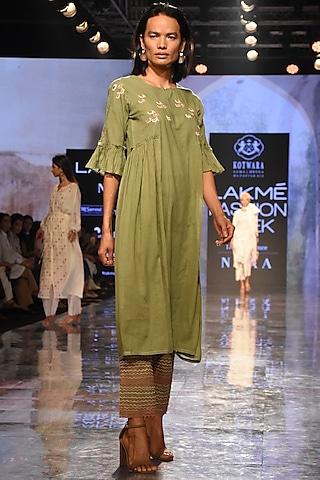 Green Gathered Kurta With Pants & Slip by House of Kotwara