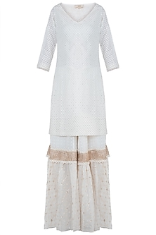 Ivory embroidered kurta set by Kotwara by Meera and Muzaffar Ali