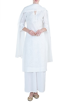 White chikankari kurta set by Kotwara by Meera and Muzaffar Ali