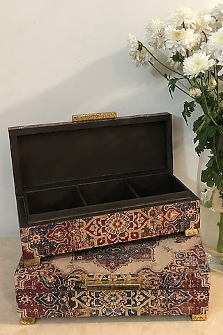 Maroon Handcrafted Abeer Box by Karo
