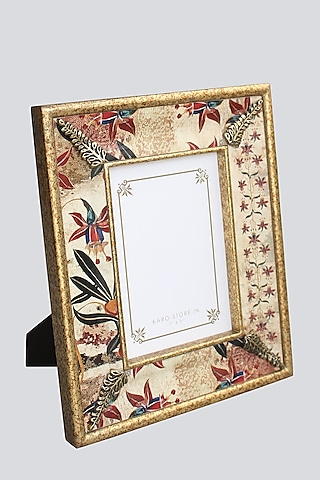 Multi Colored Photo Frame With Resin Motif by Karo