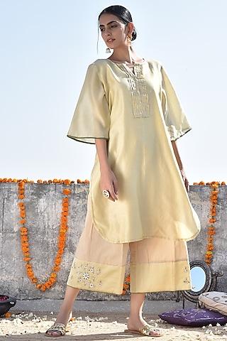 Yellow Embroidered Kurta With Pants by Kanika sharma
