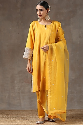 Haldi Yellow Hand Embroidered Kurta Set by Kanika sharma