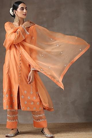Dust Orange Hand Embroidered Kurta Set by Kanika sharma