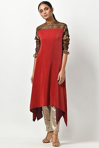 Brick Red Kaftan With Kalamkari Sleeves by Kiran Uttam Ghosh