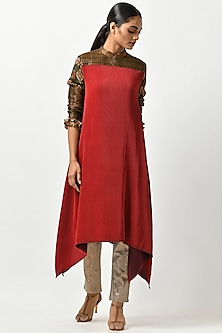 Brick Red Kaftan With Kalamkari Sleeves by Kiran Uttam Ghosh