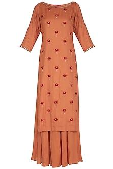 Rust Hand Embroidered Kurta Set by Kudi Pataka Designs