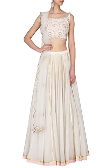 Ivory embroidered lehenga set by Kudi Pataka Designs