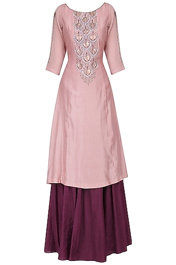 Dusty pink kurta with wine skirt set by Kudi Pataka Designs