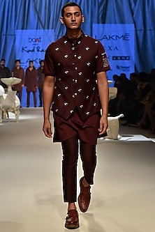 Wine Printed Kurta by Kunal Rawal