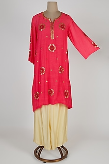 Pink Embroidered Kurta With Pants by Kunza