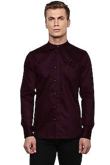 Maroon Shirt With Chinese Collar by LACQUER Embassy