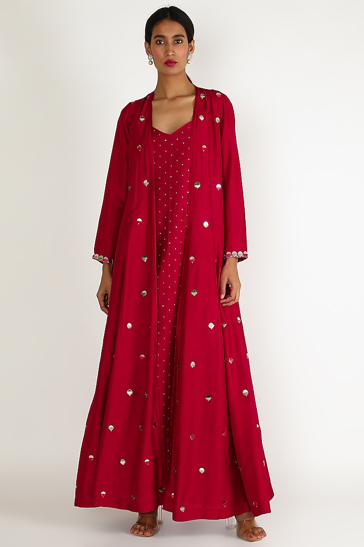 Red Embroidered Tunic Set by Loka By Veerali Raveshia