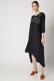 Midnight Blue Embroidered Asymmetric Tunic by Linen Bloom