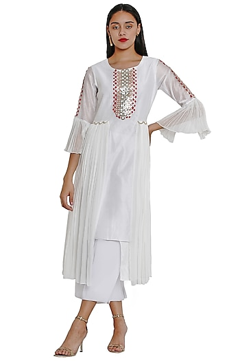 Ivory 3D Floral Embroidered Tunic by Limerick By Abirr N' Nanki