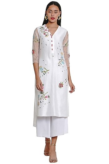 Ivory Floral Embroidered Tunic by Limerick By Abirr N' Nanki
