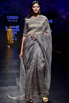 Grey Embellished Checks Saree Set by Latha Puttanna