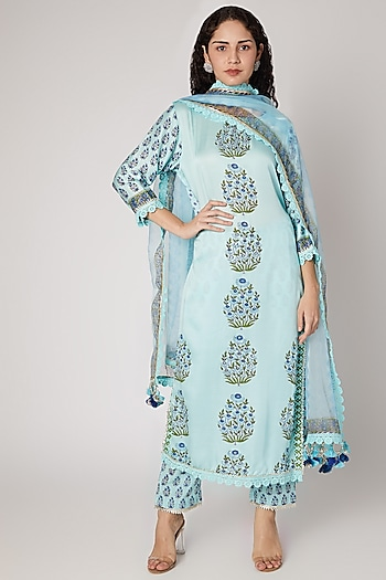 Turquoise Straight Kurta Set by Maayera Jaipur