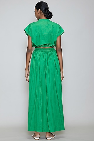 Green Crop Top With Balloon Sleeves by Mati