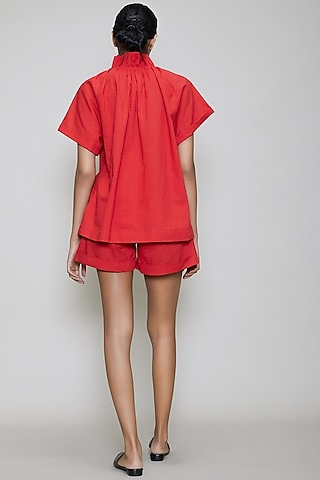 Red Handwoven Cotton Shirt With Shorts by Mati