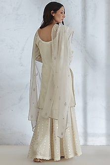 Ivory Textured & Embroidered Kurta Set by Mandira Wirk