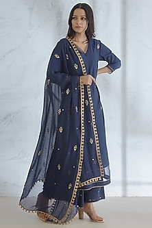 Navy Blue Gota & Sequins Embroidered Kurta Set by Mandira Wirk