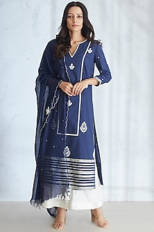 Navy Blue & Ivory Embellished Kurta Set by Mandira Wirk