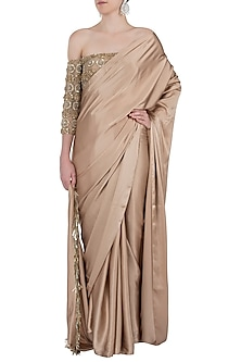Oyster fringes embroidered saree set by Manish Malhotra