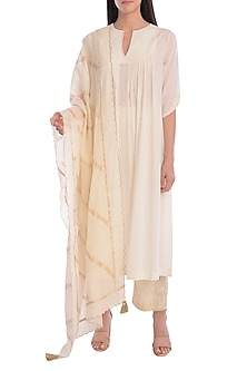 Ivory Embroidered Printed Kurta Set With Slip by Mandira Wirk