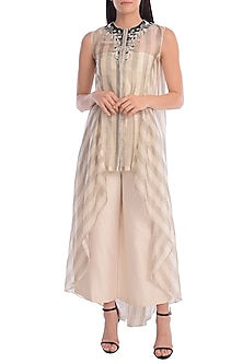 Grey & Ivory Embroidered Asymmetric Kurta Set by Mandira Wirk