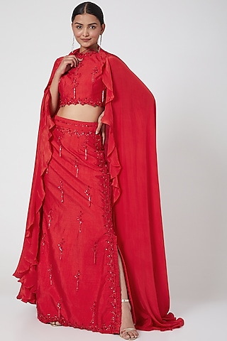 Red Embroidered Slit Skirt Set by Mani Bhatia