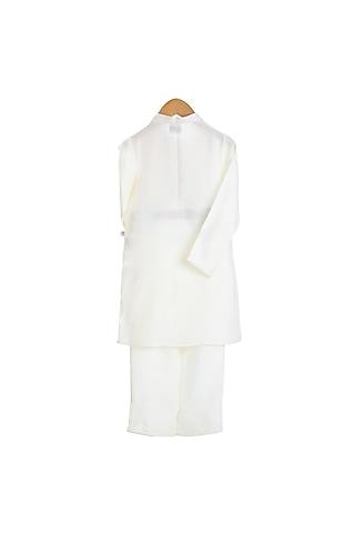 White Embroidered Kurta Set by Mi Dulce An'Ya