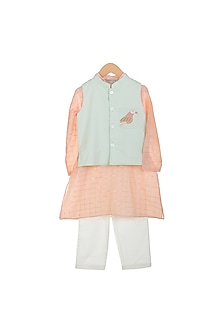 Peach Kurta Set With Embroidered Jacket by Mi Dulce An'ya